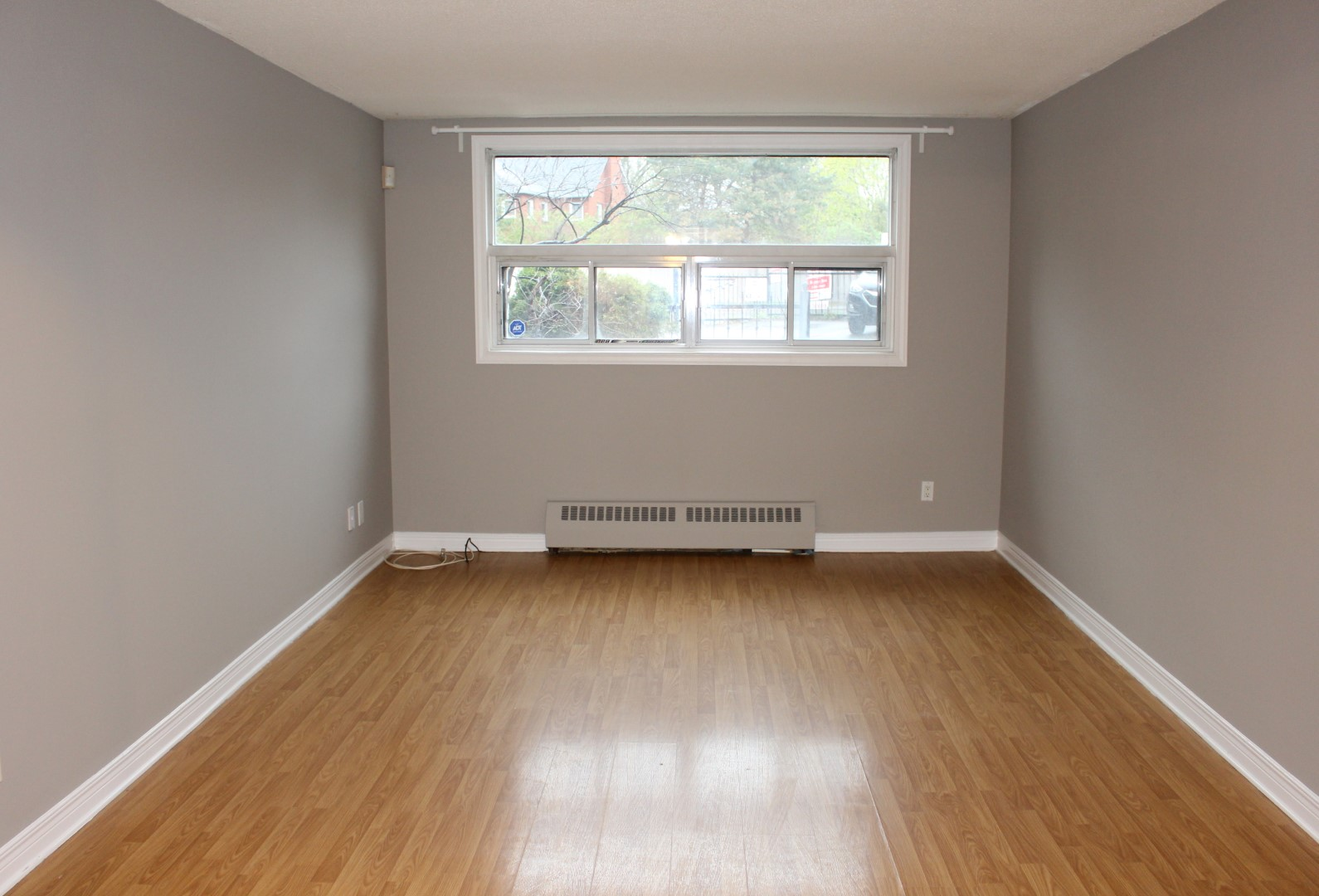 Spacious 2 bedroom rental in Beechwood Village! ** #412917