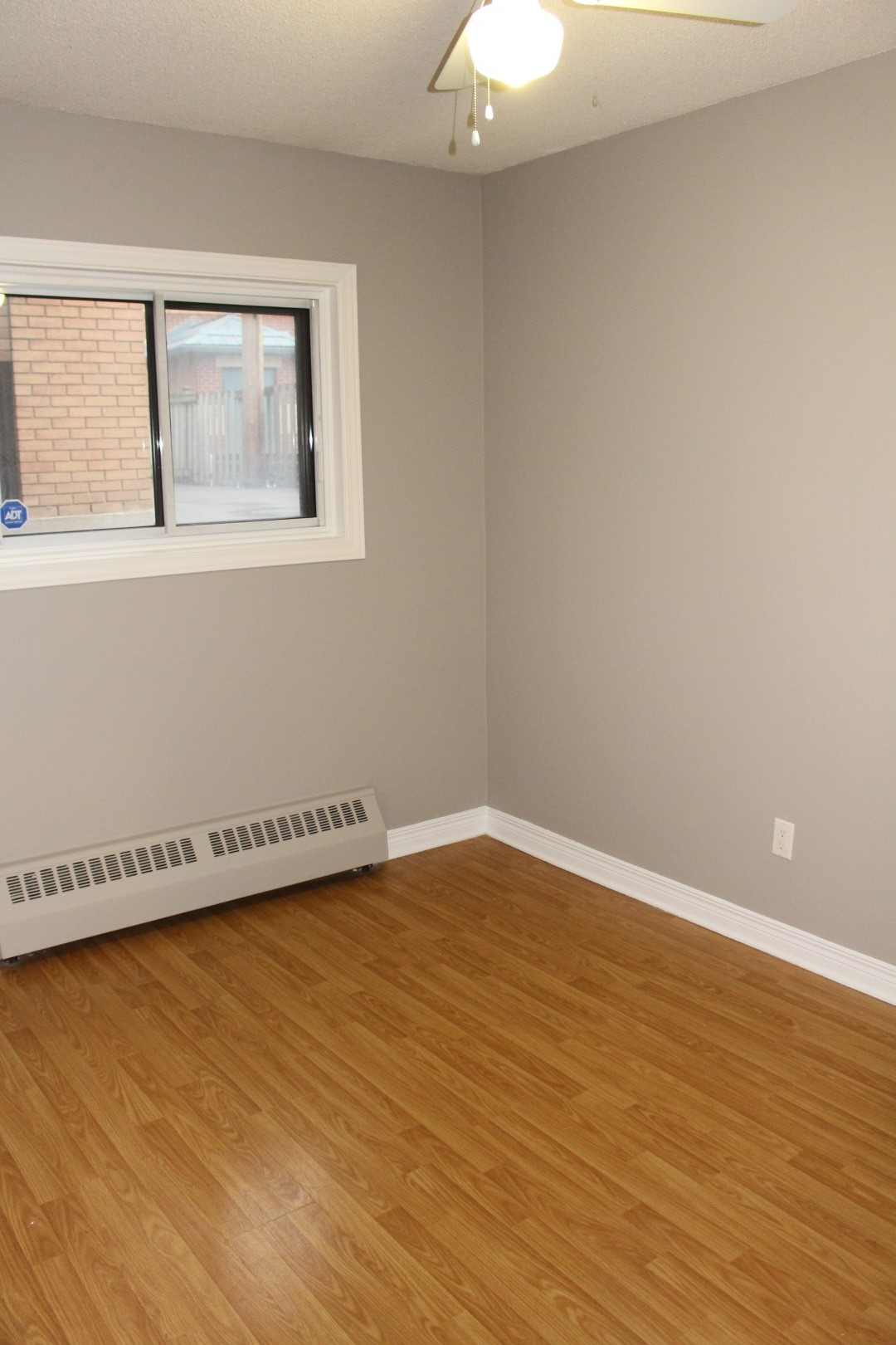 Spacious 2 bedroom rental in Beechwood Village! ** #7D4D1E