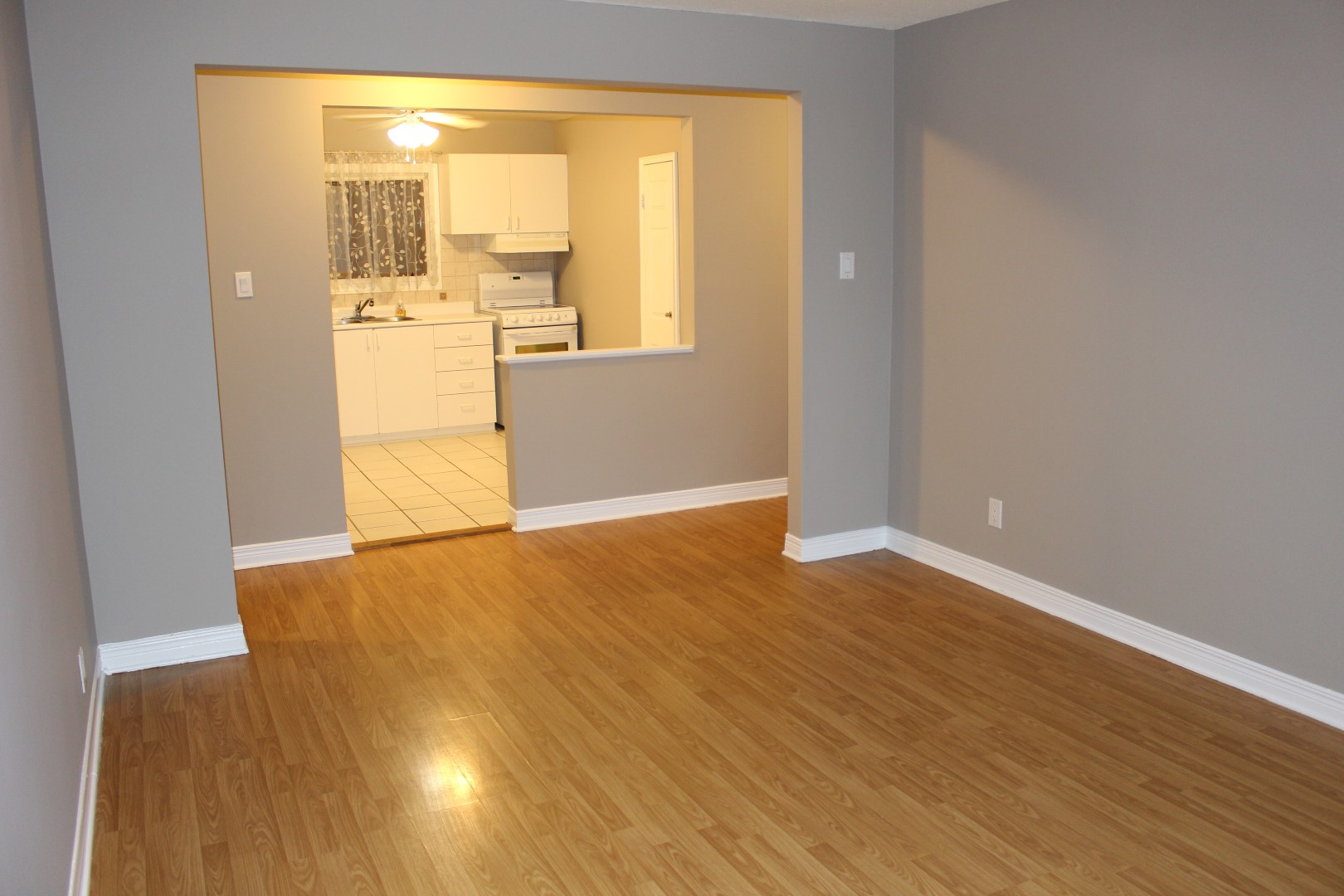 Spacious 2 bedroom rental in Beechwood Village! ** #B17A1A